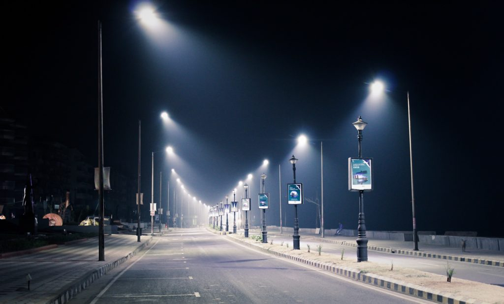 streetlight-1388418_1920