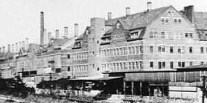 Schwarz Weiß Bild Porzellanfabrik Hermsdorf